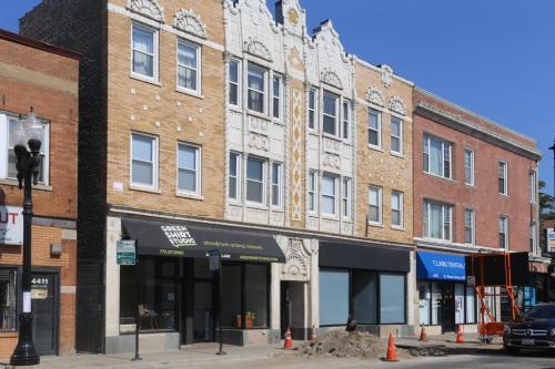 4405 N Clark Street #3 Photo 1