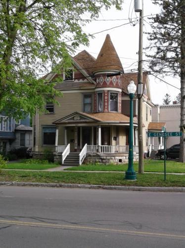 73 E Genesee Street Photo 1
