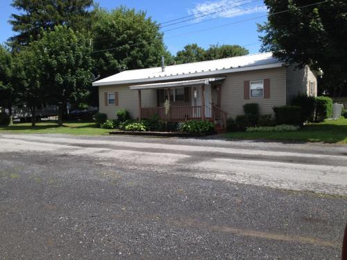 466 North Street Photo 1