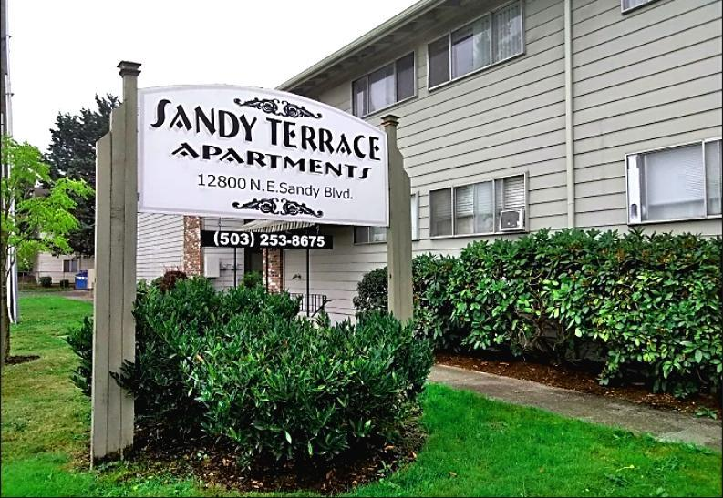 40 NE Sandy Boulevard New Two Bedroom Apartments Portland Oregon Set