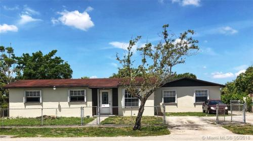 17240 NW 52nd Avenue Photo 1