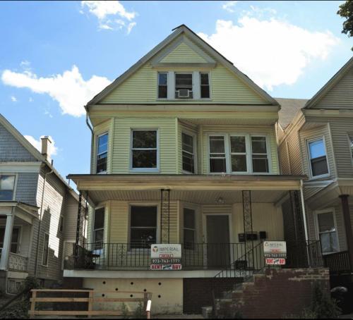 41 Hamilton Street #1ST FLOOR Photo 1
