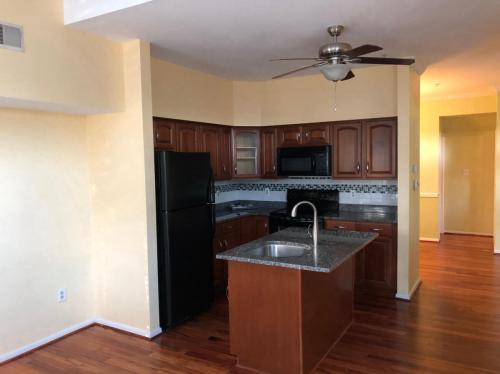 44192 Shady Glen Terrace Photo 1