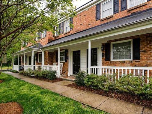 1210 Green Oaks Lane Photo 1