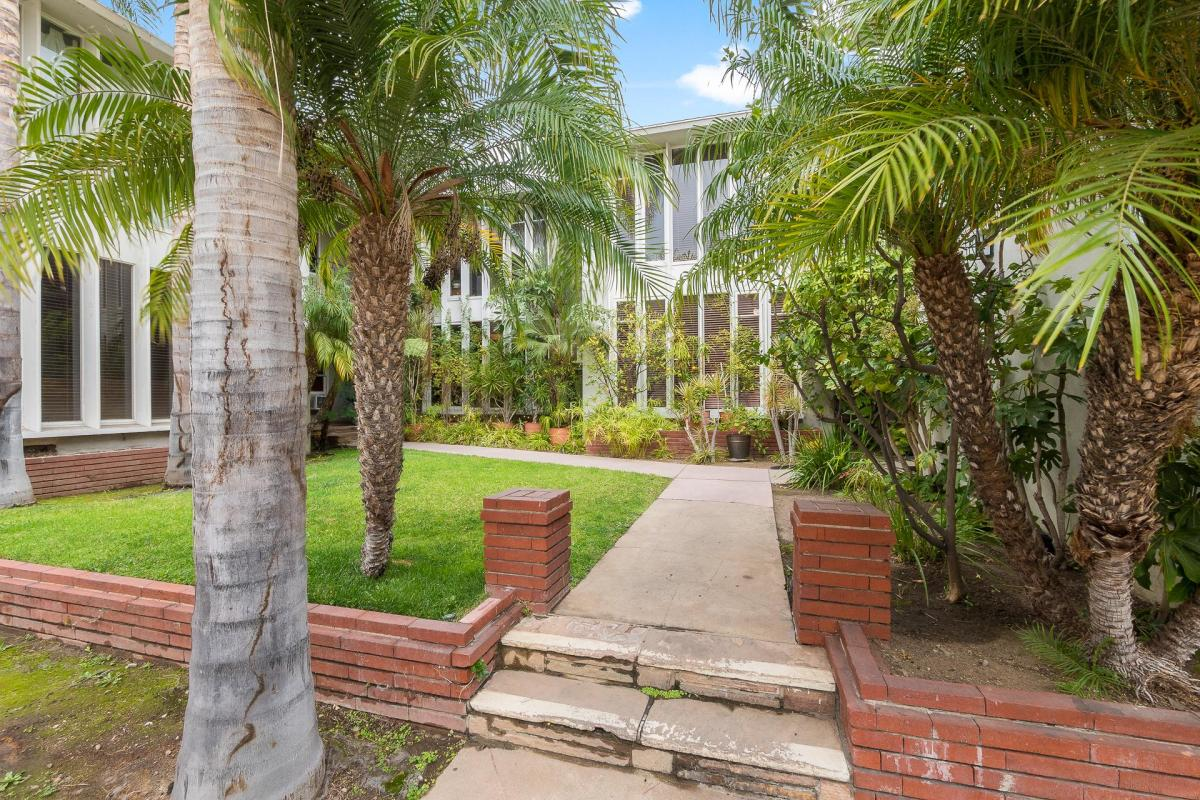 1233 N Crescent Heights Boulevard Apt 1, West Hollywood, CA 90046 ...