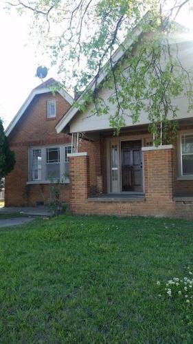 1008 N Kickapoo Avenue Photo 1
