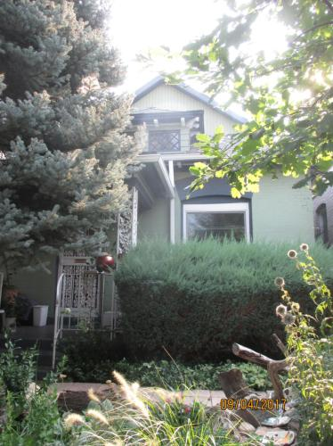 2514 Humboldt Street Photo 1