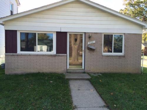 506 E Jarvis Avenue Photo 1