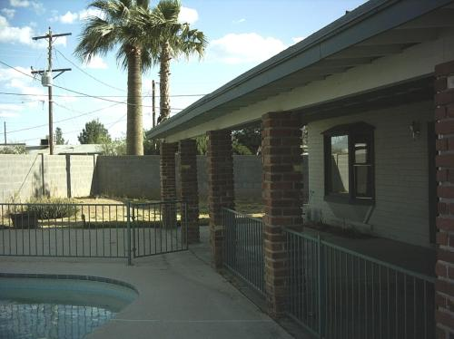 156 E Santa Cruz Drive Photo 1