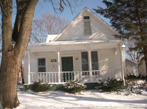 812 Chestnut Street Photo 1