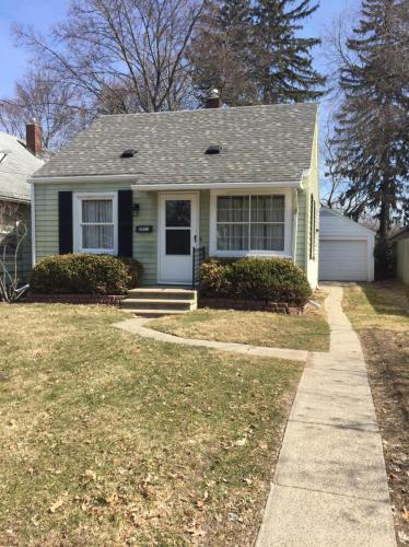 2411 Forest Avenue Photo 1