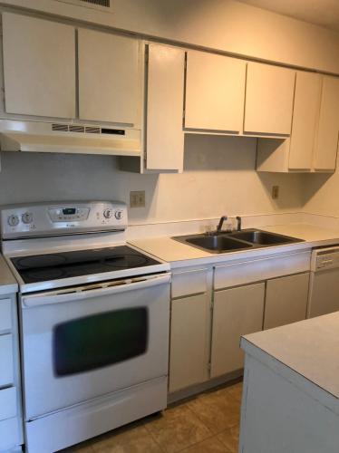 406 21st Avenue Place Photo 1