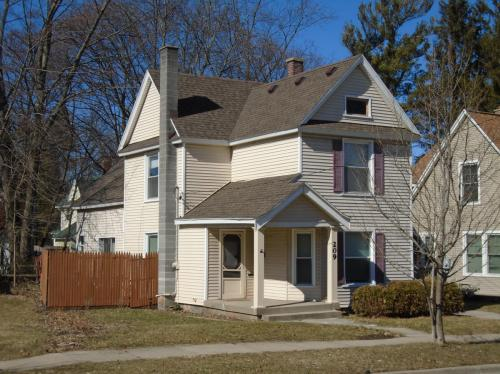 209 Fuller Avenue SE Photo 1