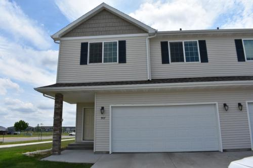 907 30th Avenue W Photo 1