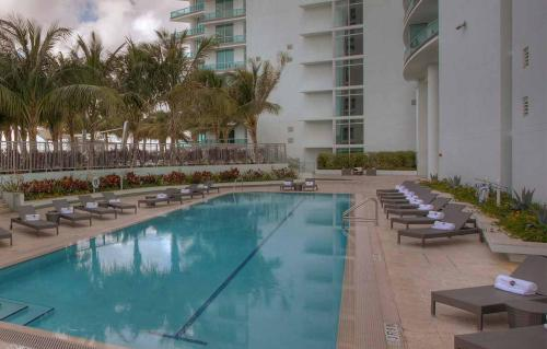 900 Biscayne Boulevard Photo 1