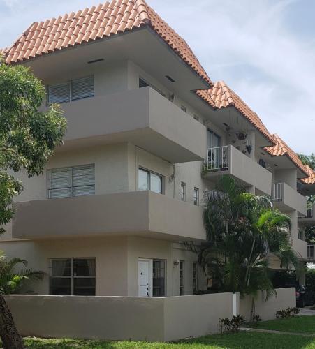 50 Antilla Avenue Photo 1