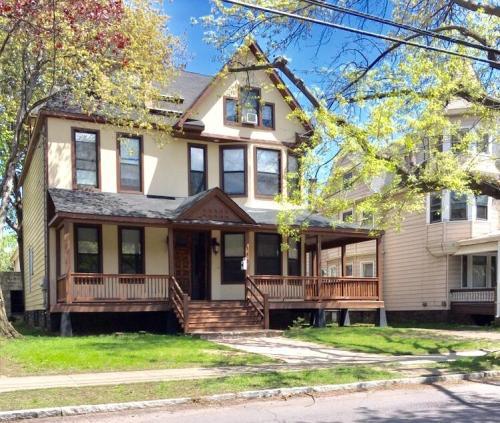 153 Hanover Street #2 Photo 1