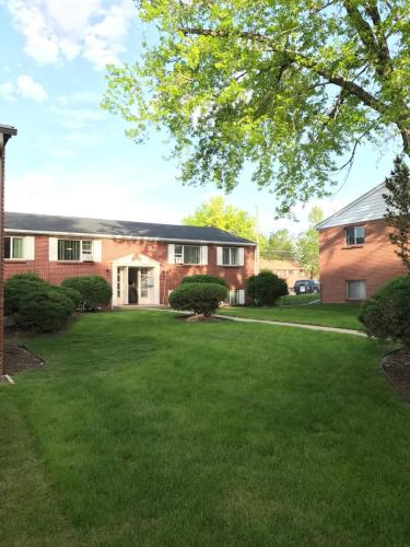 2326 S Linden Court #D Photo 1