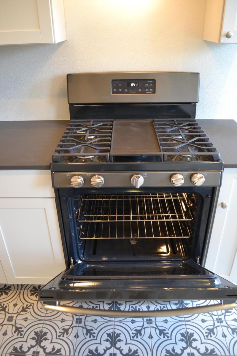 Brand New 4 Burner Plus Griddle Ge Adora Gas Range And Oven 217 Natalen