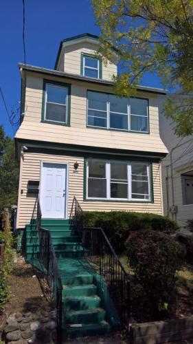 571 Chestnut Street #1 Photo 1