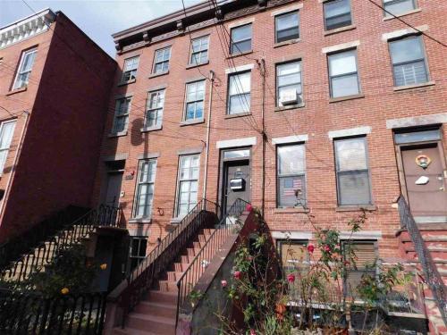 216 6th Street #2 Photo 1