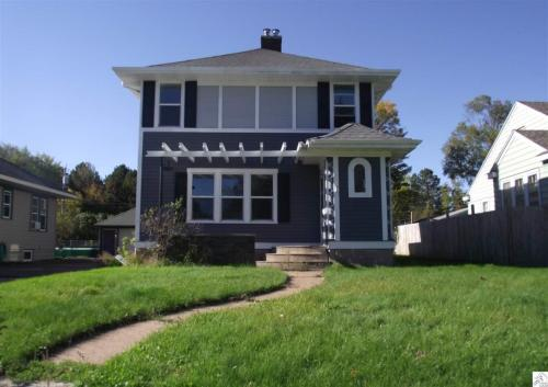 1735 Woodland Avenue Photo 1