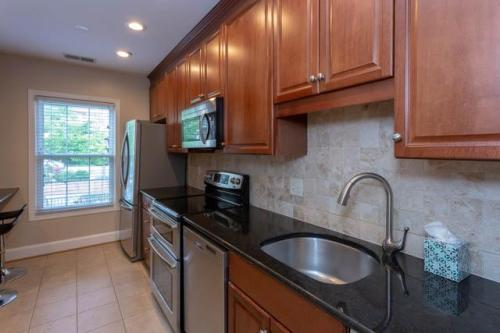 3275 Sutton Place NW #A Photo 1