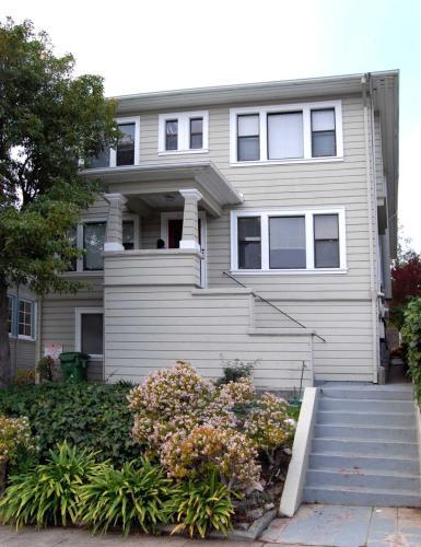 4379 Howe Street Photo 1