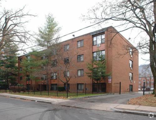 12 Willard Street Photo 1