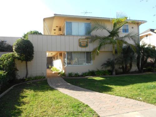 541 El Molino Avenue Photo 1