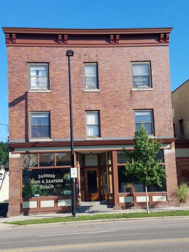 1216 Williamson Street #6 Photo 1