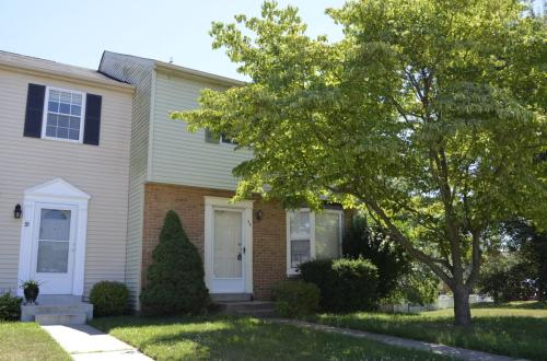 35 Chesthill Court Photo 1