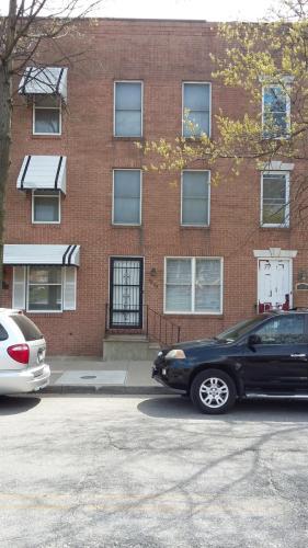 1035 W Lexington Street Photo 1