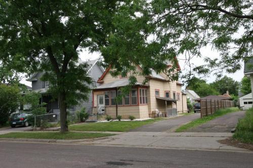 360 Burgess Street Photo 1