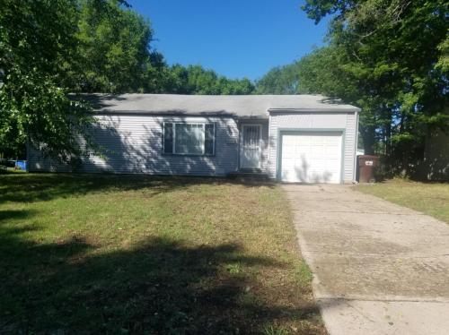 215 E Spencer Drive Photo 1