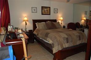 5201 NE 14th Terrace Photo 1
