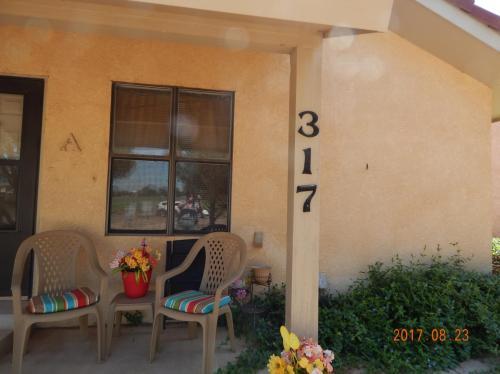317 Innsdale Terrace #C Photo 1