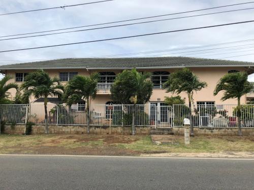 1542 Kamehameha Iv Road #1 Photo 1
