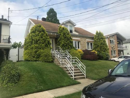 Bay Terrace Photo 1