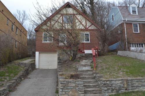 592 Lowell Avenue Photo 1