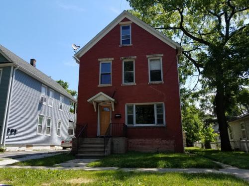 1513 Victoria Avenue Photo 1