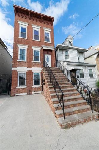 281 Forrest Street #1 Photo 1