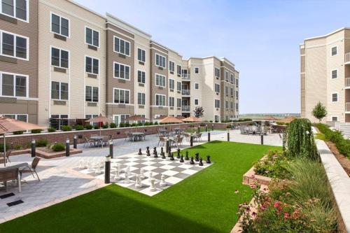 Meadowlands Plaza Photo 1