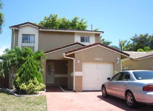 15941 SW 64th Terrace Miami Photo 1