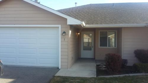 12102 E Valleyway #1 Photo 1