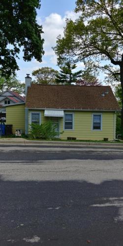 Roosevelt Street Photo 1