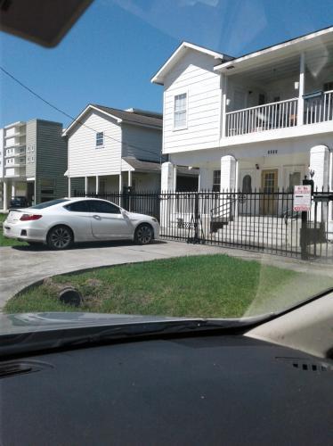 2202 Hutchins Street #D Photo 1