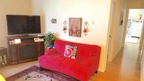 2309 NE Mary Rose Place Photo 1