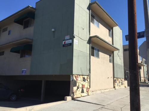 3017 W 2nd Street #8 Photo 1