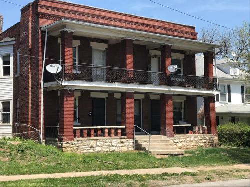 1502 E 35th Street #2W Photo 1